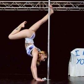 Kerry-Louise performing - Copyright ImageCella